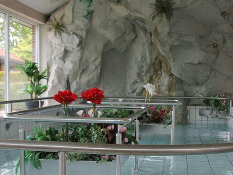Wassertretbecken in der Kneipphalle Werdum