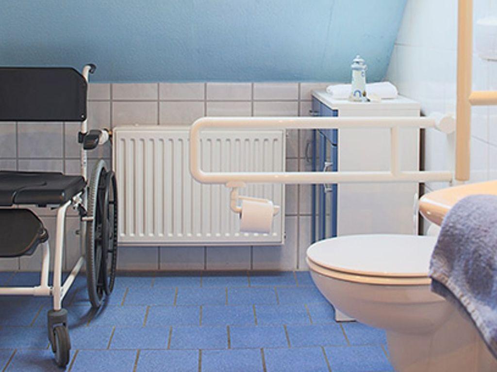 Barrierefreies Badezimmer in einer Ferienwohnung