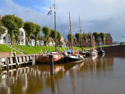Boote im Hafen von Carolinensiel